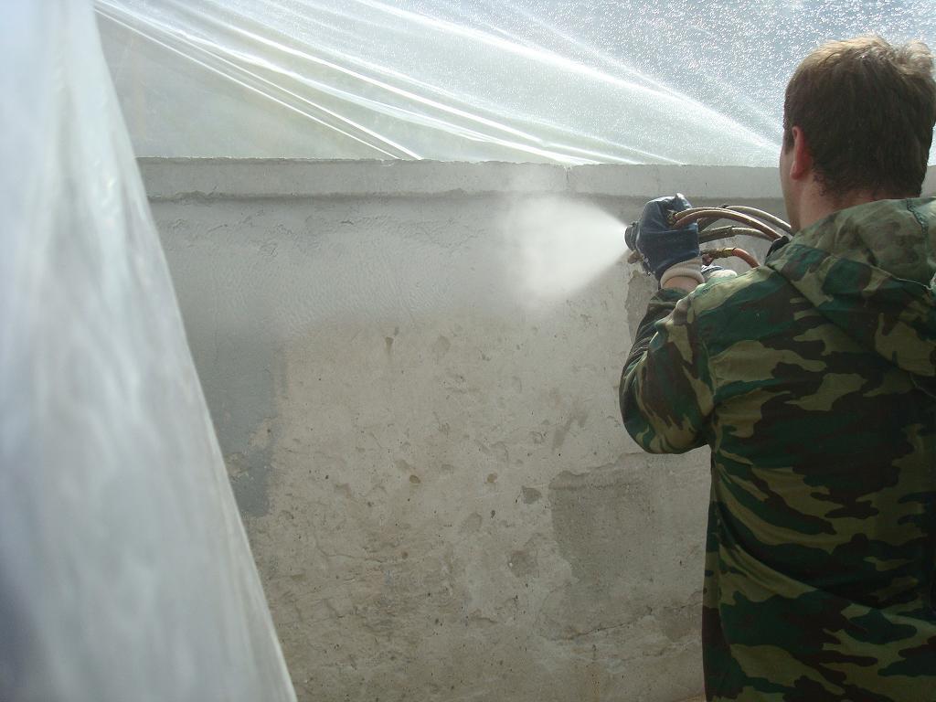 Напыление полимочевины на стены